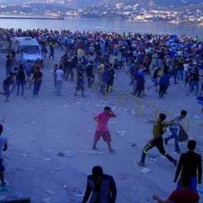 Χάος στη Λέσβο – Οι λάθρο κυνηγούν τους Ελληνες – Υπάλληλοι του δήμου κλείστηκαν σε κοντέινερ για να γλυτώσουν!(vid)