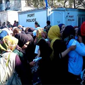 «Ξανακυκλώνουν το λιμάνι της Μυτιλήνης» οι λαθρομετανάστες …Με εντολήΕισαγγελέα!