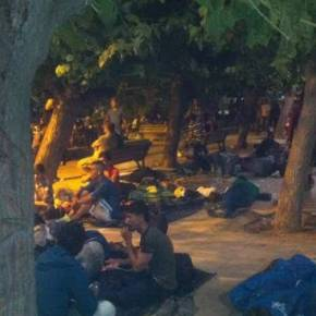 «Πνίγουν» την Αθήνα οι λαθρομετανάστες – «Κατάληψη» σε κεντρικές πλατείες τηςπόλης