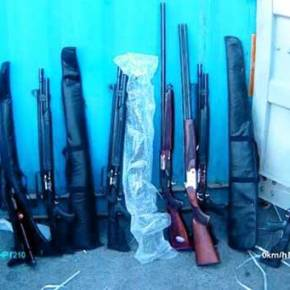 EKTAKTO: 5.000 όπλα και 500.000 σφαίρες βρέθηκαν μόνο στα δύο πρώτα κοντέινερ του «HADDAD 1» (φωτο,vid)