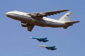 «Κρυμμένα» πίσω από τα μεταγωγικά έφτασαν τα ρωσικά Sukhoi στηΣυρία