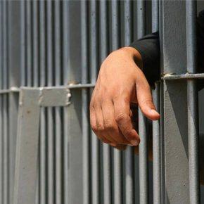 Η κυβέρνηση Τσίπρα απελευθερώνει εγκληματίες και στέλνει στη φυλακή με νέο νόμο οφείλετες τουΟΑΕΕ