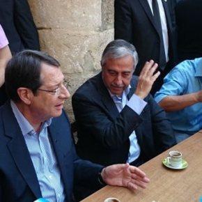 Κύπρος: Τα σημεία διαφωνίας θα συζητήσουν Αναστασιάδης-Ακιντζί