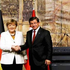 Τα «δώρα» της Μέρκελ στον Νταβούτογλου για να κερδίσει τις εκλογές της 1ηςΝοεμβρίου