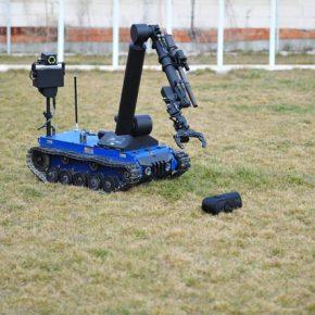 100 τηλεκατευθυνόμενα ρομπότ εξουδετέρωσης εκρηκτικών μηχανισμών για τηνΤουρκία