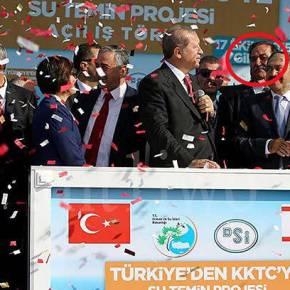 Προδότες Τουρκογλείφτες, βλέπετε ότι ο Ερντογάν στα κατεχόμενα είχε δίπλα του τον ΦΟΝΙΑ τουΣολωμού;