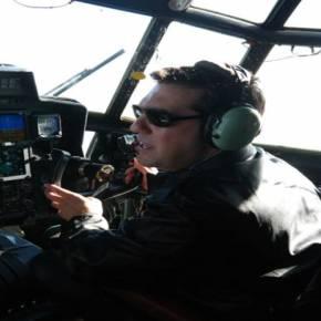 Στο πιλοτήριο του C-130 με δερμάτινο μπουφάν ο Α.Τσίπρας – Επίδειξη μαχητικού πνεύματος σε μια δύσκολη εποχή για την χώρα(εικόνες)