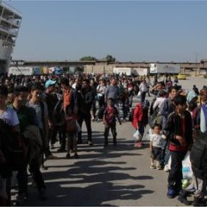 Έφτασαν σήμερα το πρωί με το Ελευθέριος Βενιζέλος και το Blue Star 1 Και άλλοι 2.500 πρόσφυγες στονΠειραιά