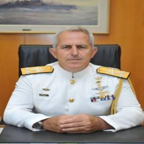 Ο Α/ΓΕΕΘΑ Ναύαρχος Αποστολάκης «ξηλώνει» από τις στολές τα «περιττά διακριτικά»!Επιτέλους
