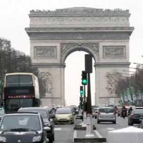 Η ΕΕ αντιλαμβάνεται την οικονομική αλλαγή «πλεύσης» του Παρισιού μετά τις επιθέσεις. Η Ελλάδα δεν έχειπροτεραιότητες;
