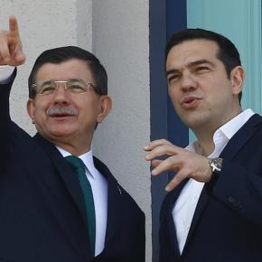 Τσίπρας σε Νταβούτογλου: Ευτυχώς οι πιλότοι μας δεν είναι τόσο νευρικοί Με ιδιαίτερα αιχμηρό τρόπο, ο Αλέξης Τσίπρας «κάρφωσε» τον τούρκο ομόλογό του Αχμετ Νταβούτογλου κατά τη διάρκεια της Συνόδου ΚορυφήςΕΕ-Τουρκίας.