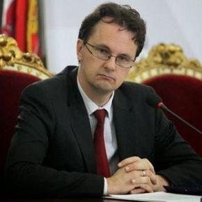 «Ράπισμα» της σερβικής ορθόδοξης εκκλησίας εναντίον του Υπουργού Παιδείας που δεν θέλει τα θρησκευτικά στασχολεία!