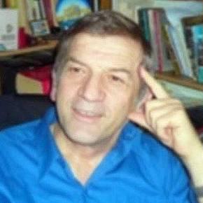Αλβανοί εθνικιστές απειλούν Έλληνα καθηγητή στο Αργυρόκαστρο!(Βίντεο)