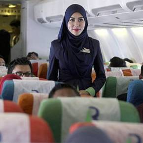 «Air Sharia»: Η πρώτη αεροπορική εταιρεία που εφαρμόζει τον ισλαμικό νόμο στηΜαλαισία