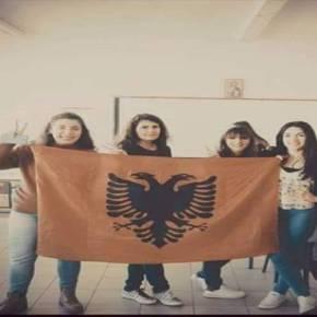 Φωτογραφία – αγανάκτηση από ελληνικόσχολείο!