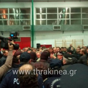 ΑΓΡΙΟ ΚΡΑΞΙΜΟ ΣΕ ΥΠΟΥΡΓΟΥΣ! Αγρότες επιτέθηκαν σε κυβερνητικά στελέχη στην Αλεξανδρούπολη (ΦΩΤΟ –ΒΙΝΤΕΟ)