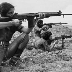 Οι γυναίκες στο στρατό,η «διζωνική θητεία»,ο Καμμένος και η τρόϊκα που δεν θέλειστρατεύσιμους
