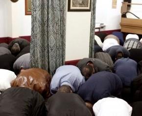 Ιμάμης σε τζαμί των Μεγάρων: »Σηκώστε το σπαθί εναντίον τωνάπιστων»