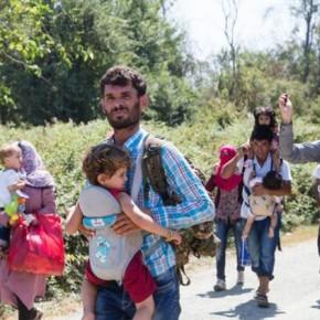 Τι αναφέρει η Ύπατη Αρμοστεία του ΟΗΕ για τους Πρόσφυγες Περισσότερο από ένα εκατομμύριο μετανάστες έφθασαν δια θαλάσσης στην Ευρώπη το2015