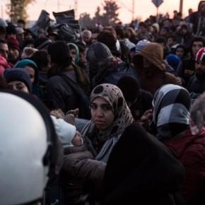 Πίσω στην Αθήνα οι πρόσφυγες μετά την επιχείρηση-«σκούπα» στηνΕιδομένη