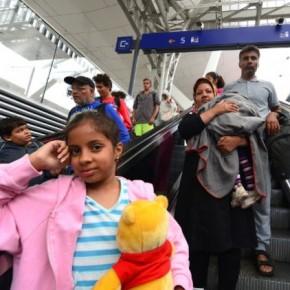 Η Αυστρία προχωρά σε επαναπατρισμούςπροσφύγων