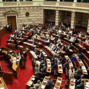 Ψηφίστηκε -χωρίς απώλειες- η τροπολογία για τις τηλεοπτικέςάδειες