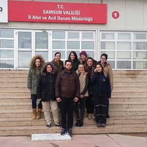 ΑΠΟΚΑΛΥΨΗ-Το Τουρκικό προξενείο στέλνει κορίτσια στην Τουρκια για στρατιωτικήΕΚΠΑΙΔΕΥΣΗ!!