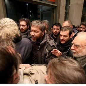 """""""ΝΤΟΥ"""" ΣΤΗΝ ΟΜΙΛΙΑ ΤΟΥ ΜΟΥΖΑΛΑ ΣΤΗ ΘΕΣΣΑΛΟΝΙΚΗ! – """"Π@@ΛΟ ΡΕ Μ@Λ@Κ@ Π@@ΛΟ"""" – ΑΤΑΡΑΧΟΣ ΑΥΤΟΣ ΕΒΡΙΣΕ ΔΙΑΔΗΛΩΤΗ ΚΑΙ ΑΝΑΨΕ ΤΣΙΓΑΡΟ! (ΦΩΤΟ&ΒΙΝΤΕΟ)"""