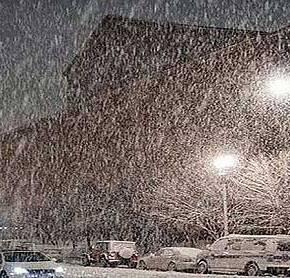 Ο ΧΙΟΝΙΑΣ ΣΑΡΩΝΕΙ ΤΗΝ ΑΤΤΙΚΗ: Δείτε που χιονίζει και πόσο θα κρατήσουν ταφαινόμενα!