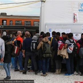 Ατέλειωτοι οι μετανάστες στα σύνορα τωνΣκοπίων