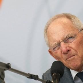 Ο Β.Σόιμπλε ζητά την ανάπτυξη του γερμανικού Στρατού για την διαφύλαξη και προστασία των πόλεων από τους λαθρομετανάστες! (vid)