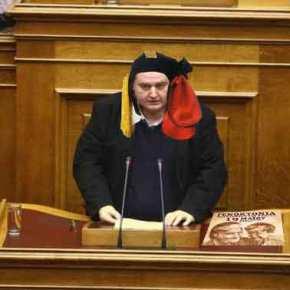 Ξεκίνησε η «ενσωμάτωση» – Ν.Φίλης: »Κάθε σχολείο, κάθε γειτονιά όλη η Ελλάδα να είναι μία ανοιχτή αγκαλιά για τουςπρόσφυγες»!