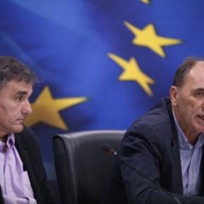 Σκηνικό… 2015 με άκαρπη διαπραγμάτευση Η τρόικα ξηλώνει το ασφαλιστικό, ζητάει νέα μέτρα και η κυβέρνηση ψάχνει πάλι «πολιτικήλύση»