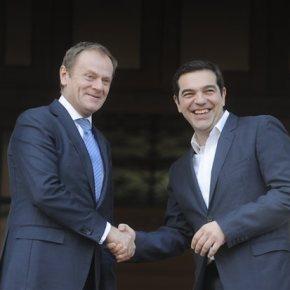 Τσίπρας: Να ενώσουμε δυνάμεις για να αντιμετωπίσουμε τις προκλήσεις, δεν είναι ώρα για εξόδους – Τουσκ: Ο αποκλεισμός της Ελλάδας από τη Σένγκεν δεν είναι η λύση-Βρετανία και προσφυγικό στη συνάντηση του Πρωθυπουργού με τον πρόεδρο του ΕυρωπαϊκούΣυμβουλίου