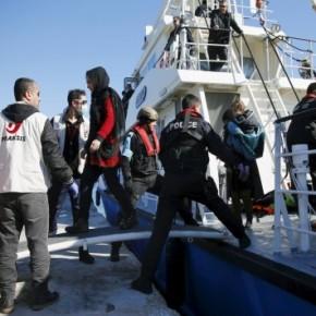 """""""Βόμβα"""" Spiegel: Η Γερμανία αποφασίζει και… διατάζει! Σκάφη της Frontex έχουν εντολή να παραδίδουν τους πρόσφυγες στην Ελλάδα, όχι στηνΤουρκία!"""
