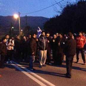 Ξεσηκώθηκαν οι κάτοικοι της Βέροιας κατά των λαθρομεταναστών – Άγριο κράξιμο στον συριζαίο Ουρσουζίδη! Φωτορεπορτάζ,Βίντεο