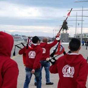 Εμείς ισλαμική μαντίλα και οι Άραβες με Σταυρό και παιάνισμα του «Μακεδονία ξακουστή» στην παρέλαση της 25ης Μαρτίου(vid)
