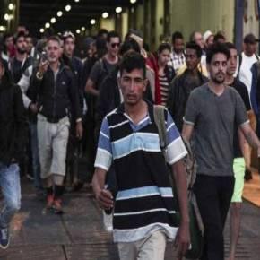 Πάνω από 2.500 λάθρο – πρόσφυγες στο λιμάνι του Πειραιά – Τους μεταφέρουν σε κέντρα διαμονής–