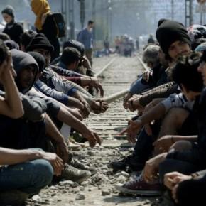 Στην Ειδομένη ακόμα περιμένουν…