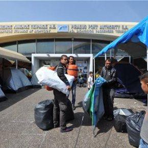 Δεν παίρνουν τους πρόσφυγες από τον Πειραιά, αλλάζουν απλώς αποβάθρα Αλαλούμ στο μεγαλύτερο λιμάνι τηςχώρας!