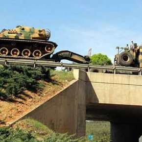 Η Τουρκία Μετακινεί Μεγάλες Δυνάμεις και Άρματα Μάχης στα Σύνορα με τηΣυρία