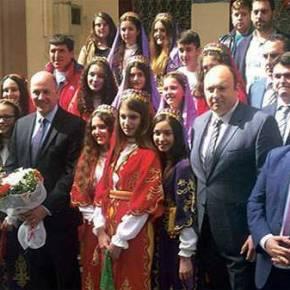 Επιχείρηση αφελληνισμού της Θράκης μας: Περιοδεία του τούρκου πρέσβη σε μειονοτικάσχολεία!