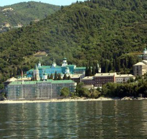 Δείτε το σκάφος του ΠΝ που ταξίδεψε ο Πούτιν στο μοναστήρι του ΑγίουΠαντελεήμονα