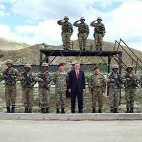 Ο Ερντογάν στο στρατηγείο των Ειδικών Δυνάμεων-Φωτογραφίες