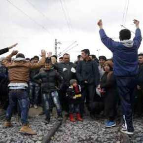 Αποκαλυπτικό βίντεο: Πρόσφυγες στην Ειδομένη διαδηλώνουν υπέρ των ισλαμιστών στο Χαλέπι – Επιτέθηκαν στις αστυνομικέςδυνάμεις