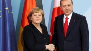 Ο Ερντογάν «απειλεί» τη Γερμανία: «Το ν/σ για το χαρακτηρισμό της σφαγής των Αρμενίων ως γενοκτονίας θα βλάψει τις σχέσειςμας»