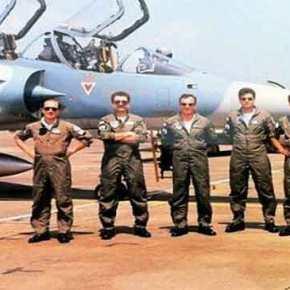 Όταν οι Έλληνες πιλότοι έσπασαν τα τζάμια τηςΣμύρνης