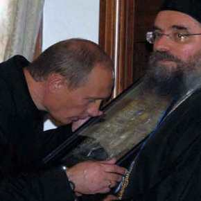 Ο Β.Πούτιν συγκινημένος αποδίδει τιμή και σεβασμό στην Παναγιά Γλυκοφιλούσα στο Βυζαντινό και Χριστιανικό Μουσείο – Δείτε εικόνες και βίντεο