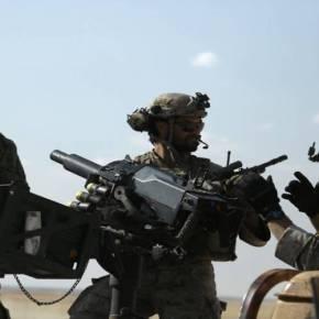 Eπεισόδιο ΗΠΑ-Τουρκίας: Αμερικανοί στρατιώτες με διακριτικά των Κούρδων YPG – Τους παρέδωσαν τόνους οπλισμού (vid,φωτό)
