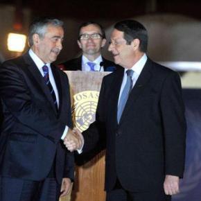Κυπριακό: Σε λύση ελπίζουν Αναστασιάδης –Ακιντζί